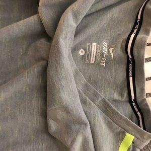 Nike Men's touch tailwind- XL